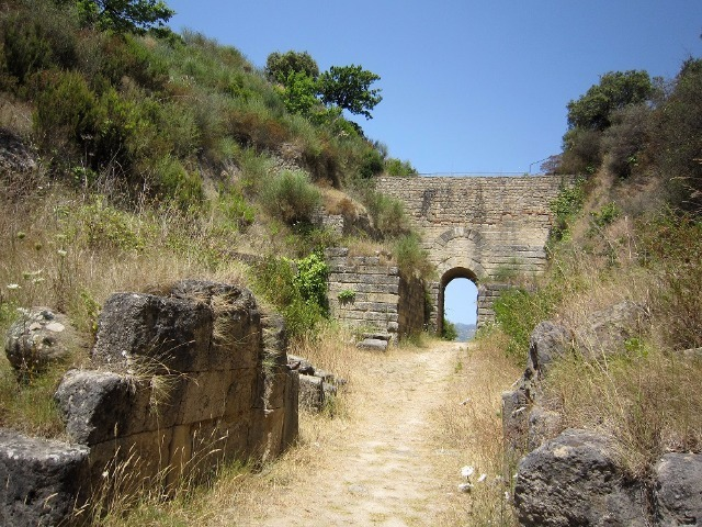 Porta Rosa in Velia (Ascea) unique example of a Greek arch of IV century